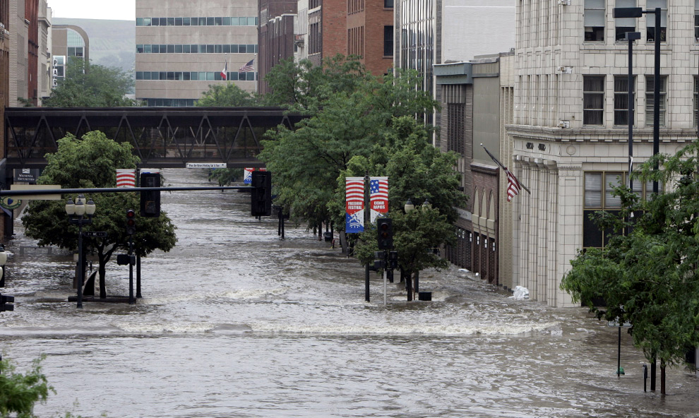 Rock Island District Missions Flood Risk Management Cedar